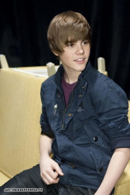 The view + bet studio Normal_justin-bieber-the-view-10
