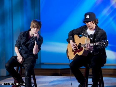 The view + bet studio Normal_justin-bieber-the-view-5